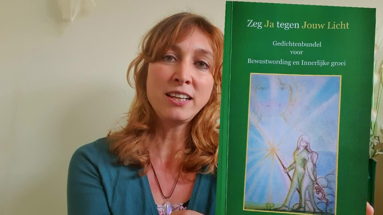 Gedichtenbundel zeg ja tegen jouw licht, voor bewustwording en innerlijke groei, saskia tiemens, energetisch therapeut, bewustzijn coach, healer, welzijn voor dier & Mens